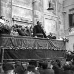 Comizio del podestà in una foto del 1929